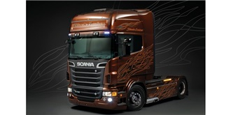 ITALERI Scania R730 Black Amber 1:24 Kit Plastik