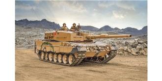 Italeri Leopard 2 A4 1:35 Kit Plastik