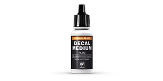 Vallejo MA Decal Medium 17 ml.